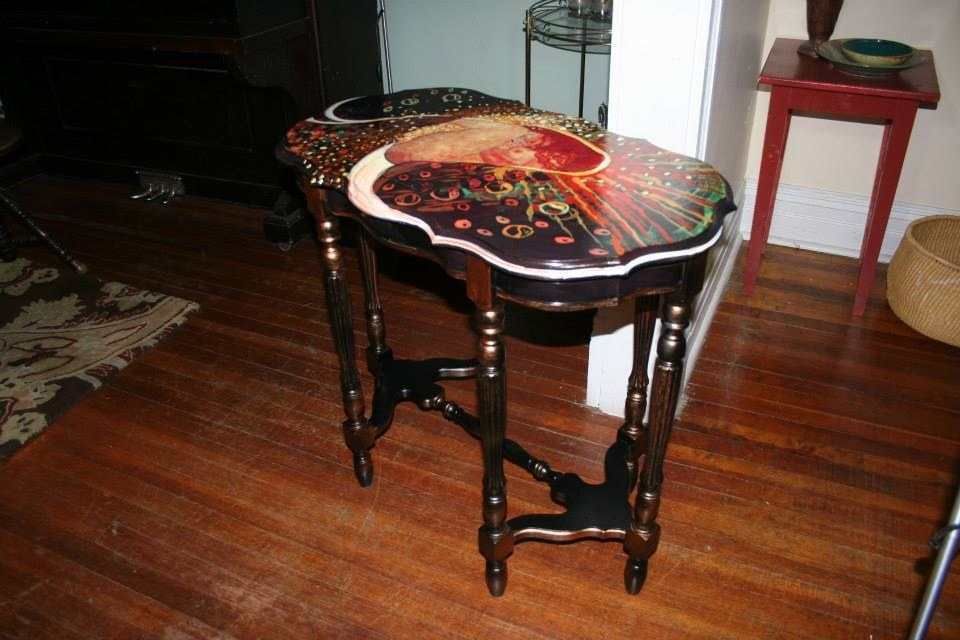 Klimt Danae side table