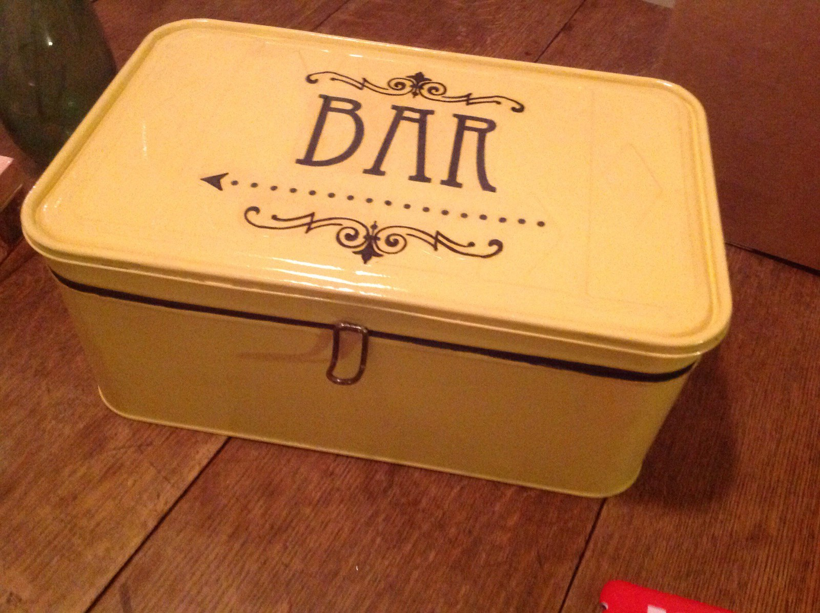 Vintage Tin Box Bar