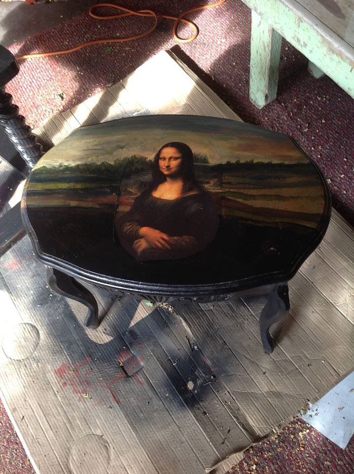 Mona Lisa table